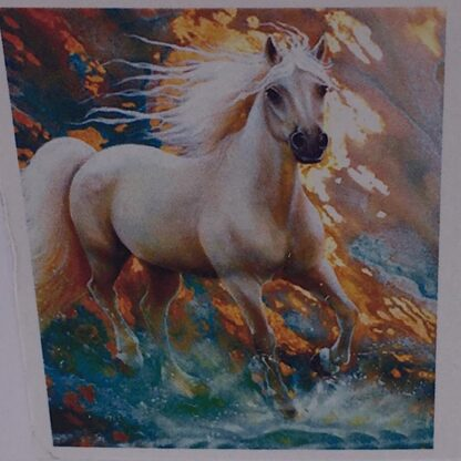 Diamond painting hvid hest i galop