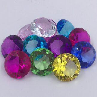 Diamanter 8 forskellige farver 4 cm