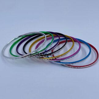 Armbånd i flere forskellige farver