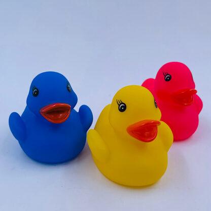 Badeænder med lys tre farver