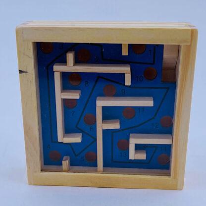 trae labyrint pudslespil blaa