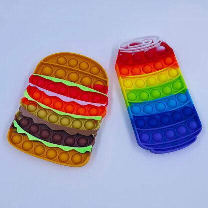 Burger og sodavand pop it til de lækkersultne