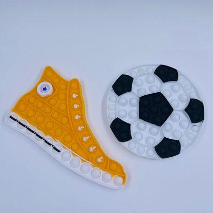 Mega fed kondisko og bold til en starter fodbold stjerne boldspil spark