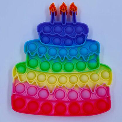 Lagkage kagestykke og fødselsdag
