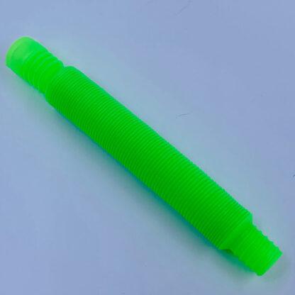 pop tube twisted i spiral form i mini udgave lige til lommen grøn